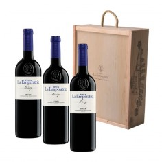 3 bottles of La Emperatriz Crianza 2015 with wooden case
