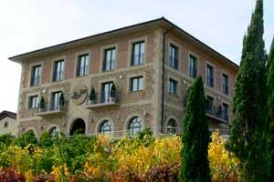 Edificio de la Bodega Luis Cañas en la Rioja Alavesa